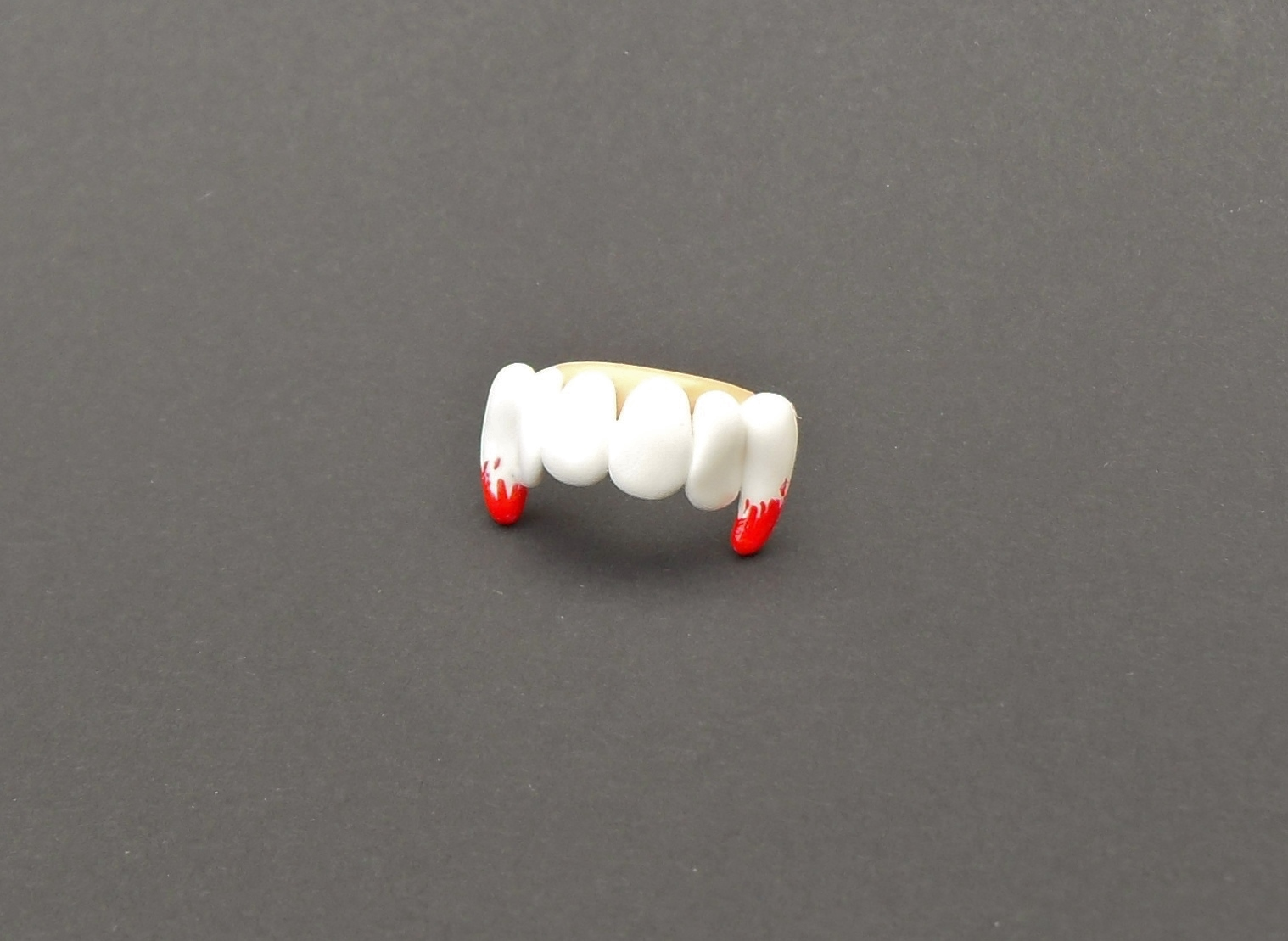Halloween, spooky, creepy, cute, trick or treat, horror, handmade, novelty, season, kitsch, fan, jewellery, accessories, quirky, vampire, blood, grill, teeth, ring,