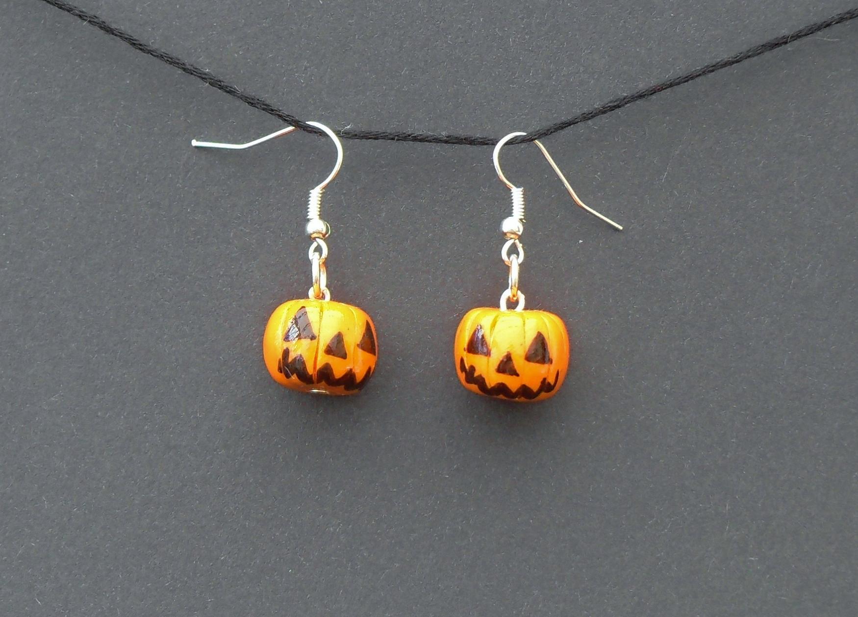 Halloween, spooky, creepy, cute, trick or treat, horror, handmade, novelty, season, kitsch, fan, jewellery, accessories, quirky, pumpkin, jackolantern, earrings,