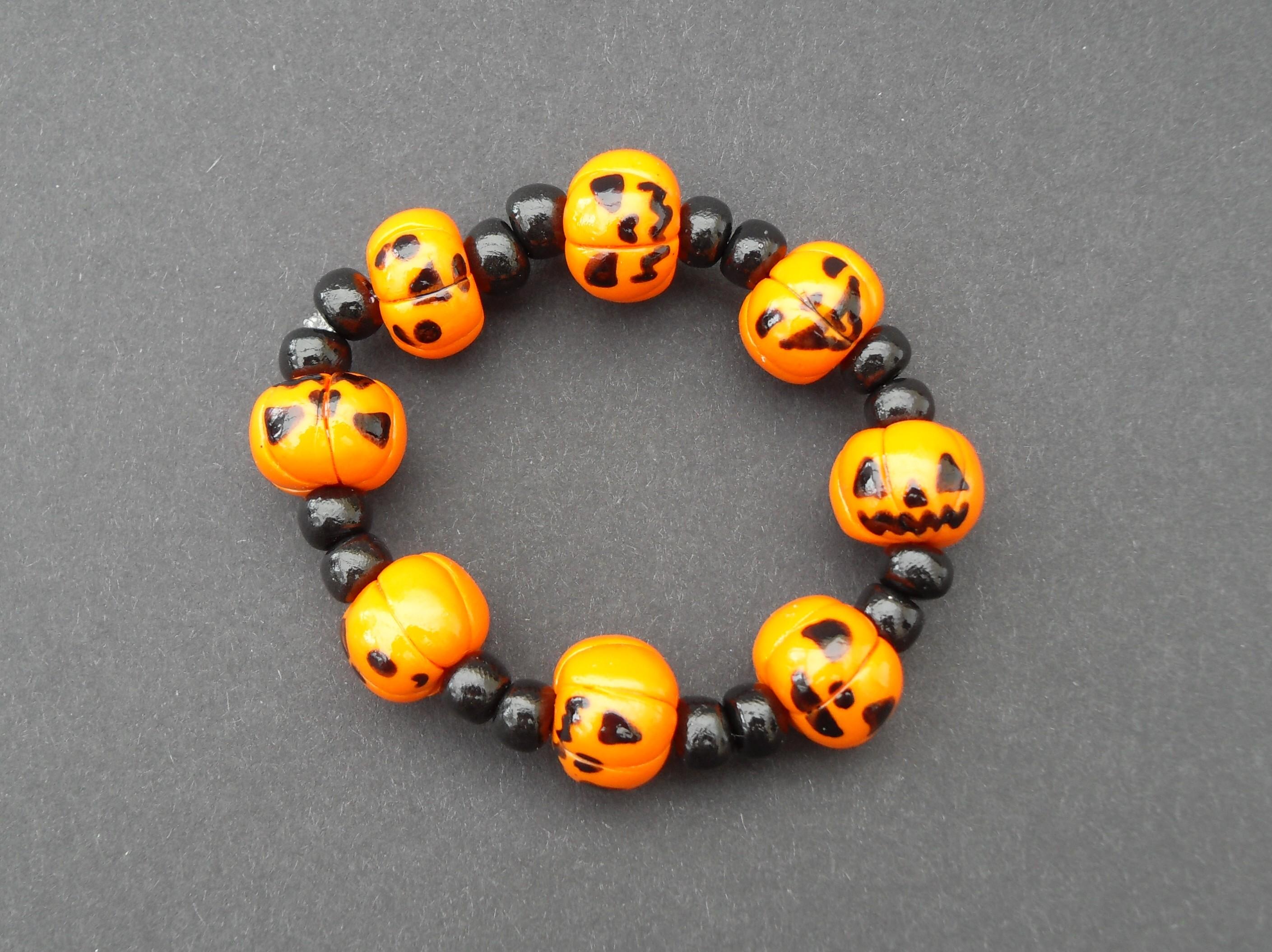 Halloween, spooky, creepy, cute, trick or treat, horror, handmade, novelty, season, kitsch, fan, jewellery, accessories, quirky, pumpkin, jackolantern, elasticated, charm, bracelet,