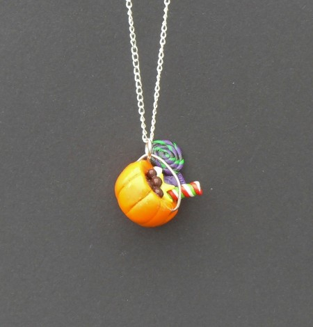 Halloween, spooky, creepy, cute, trick or treat, horror, handmade, novelty, season, kitsch, fan, jewellery, accessories, quirky, pumpkin, jackolantern, candy, bucket, basket, charm, necklace,