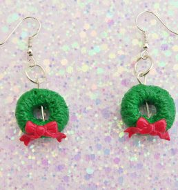 Handmade, Fimo, clay, polymerclay, jewellery, jewelry, novelty, Christmas, festive, cute, craft, gift, present, for her, holly, wreath, statement, earrings,