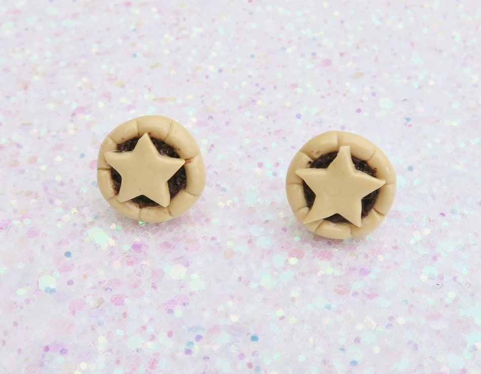 Handmade, Fimo, clay, polymerclay, jewellery, jewelry, novelty, Christmas, festive, cute, craft, gift, present, for her, mince pie, pudding, statement, stud, earrings,