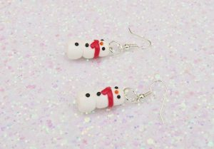 Handmade, Fimo, clay, polymerclay, jewellery, jewelry, novelty, Christmas, festive, cute, craft, gift, present, for her, top hat, scarf, snowman, statement, earrings,